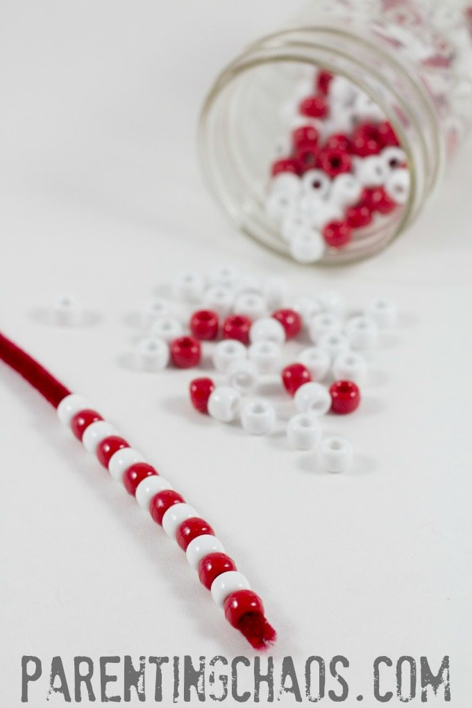 This beaded candy cane is SIMPLE enough for me to do with the kids!