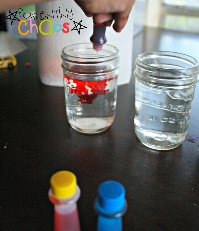 Crawling Colors! Color Mixing Science Experiment Adding in Red Food Dye