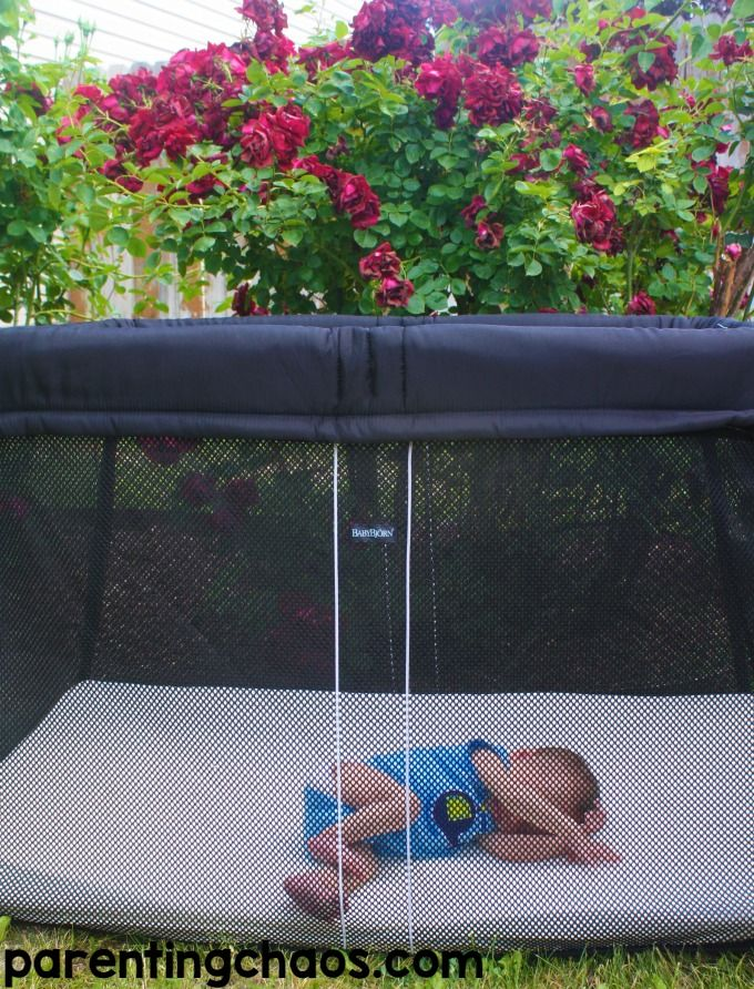BABYBJÖRN Travel Crib Review and Giveaway
