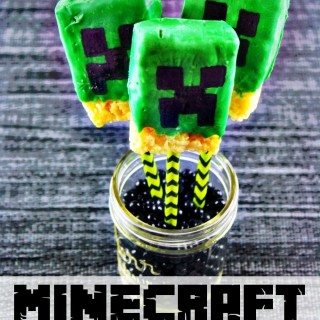 My kids would adore this rice krispie treats recipe for Minecraft Creeper Pops!