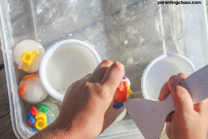 Keep the kids busy and cool this summer with this ABC Ice excavation activity.