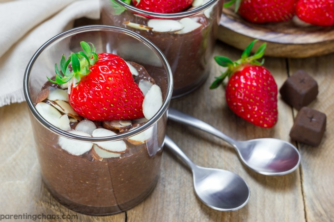 Chia pudding is just one of those snacks that you can't go wrong with. Packed with calcium, antioxidants, and naturally free of gluten, this Chocolate Chia Pudding is filled with creamy, dreamy goodness.