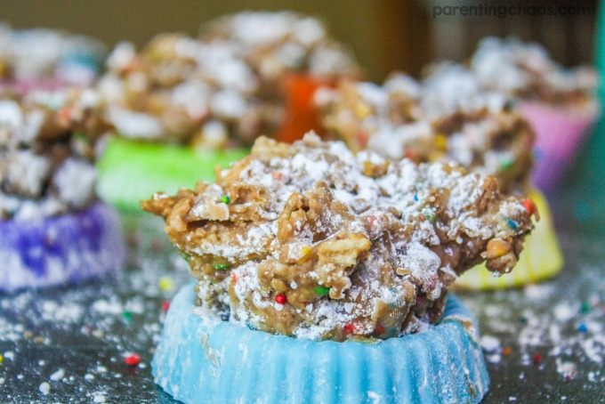 Kids will love these simple marshmallow puppy chow bites (aka Rebel Bites) inspired by The Secret Life of Pets - they are perfect for little hands!