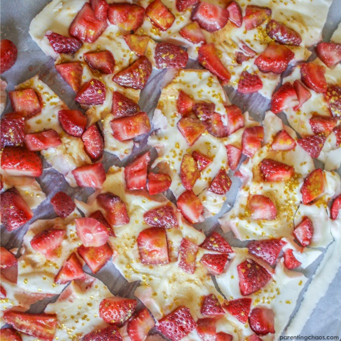STRAWBERRY WINE CHOCOLATE BARK