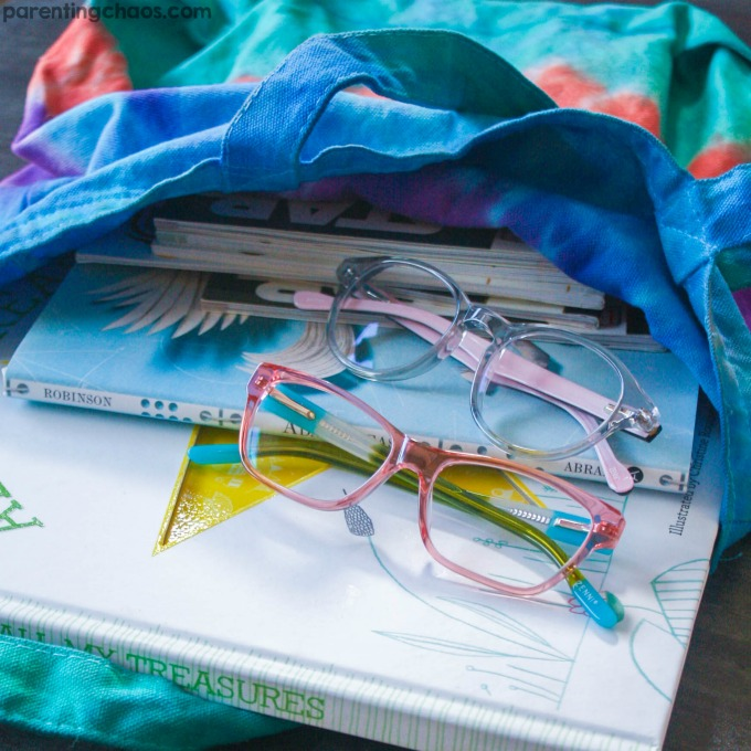 These DIY Tie Dye Book Bags are adorable!