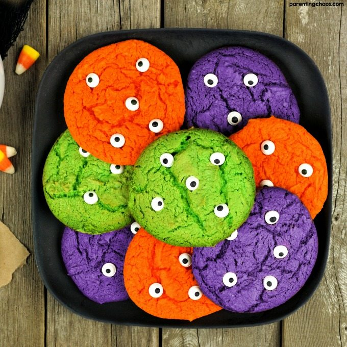 HALLOWEEN MONSTER EYE COOKIES