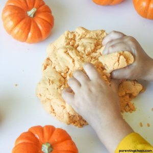 Kids will LOVE this Taste Safe Pumpkin Play Dough!