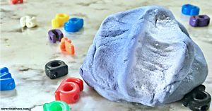This color changing playdough recipe is super easy to make and one that your kids will love! With math, science, and sensory all wrapped up into one activity you have to try making this thermochromic playdough at home!